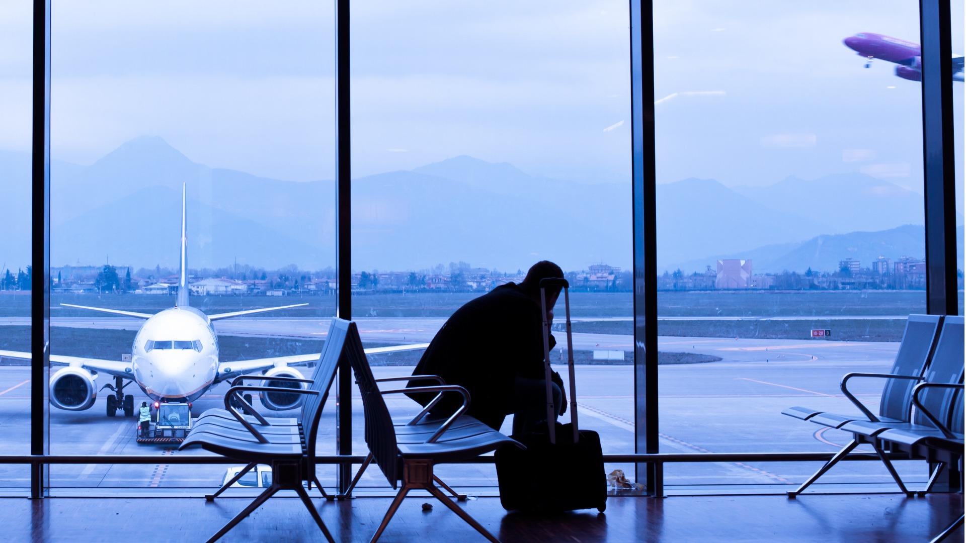 2021-outlook-traveller-sitting