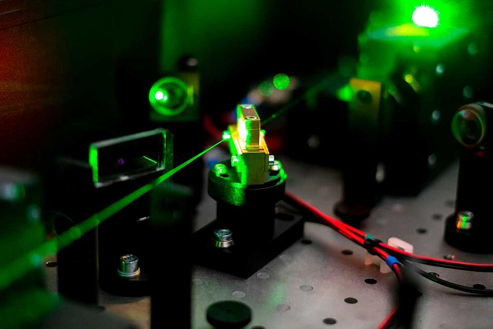 Customised-laser-protection-for-military-01