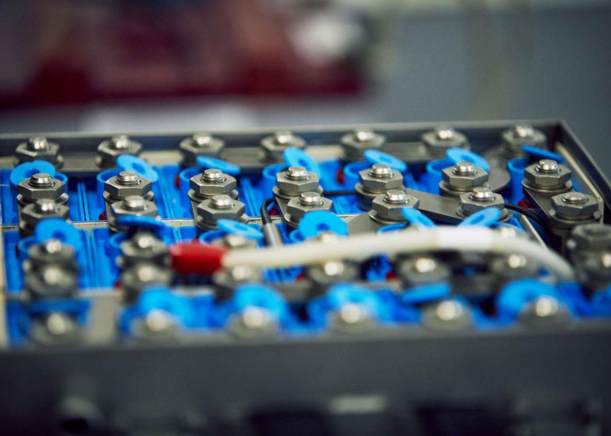 D1-battery-services-02
