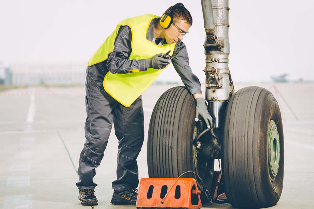 shortage-of-aircraft-maintenance-technicians