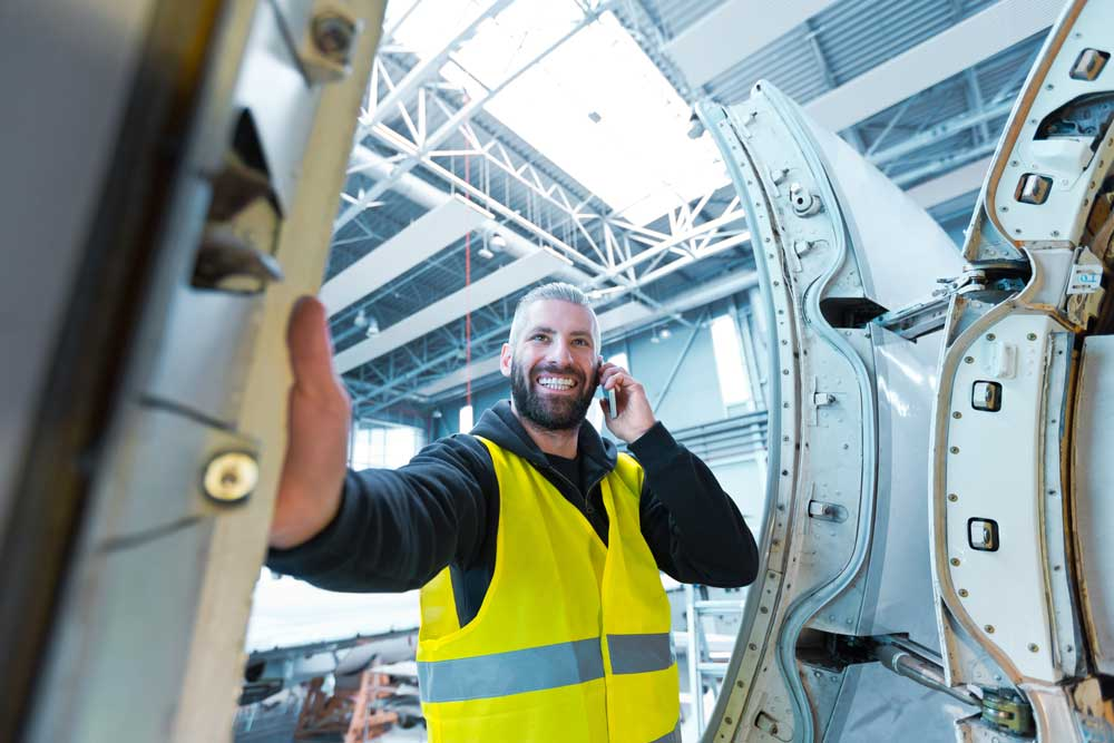 aircraft-maintenance-technicians-are-getting-old