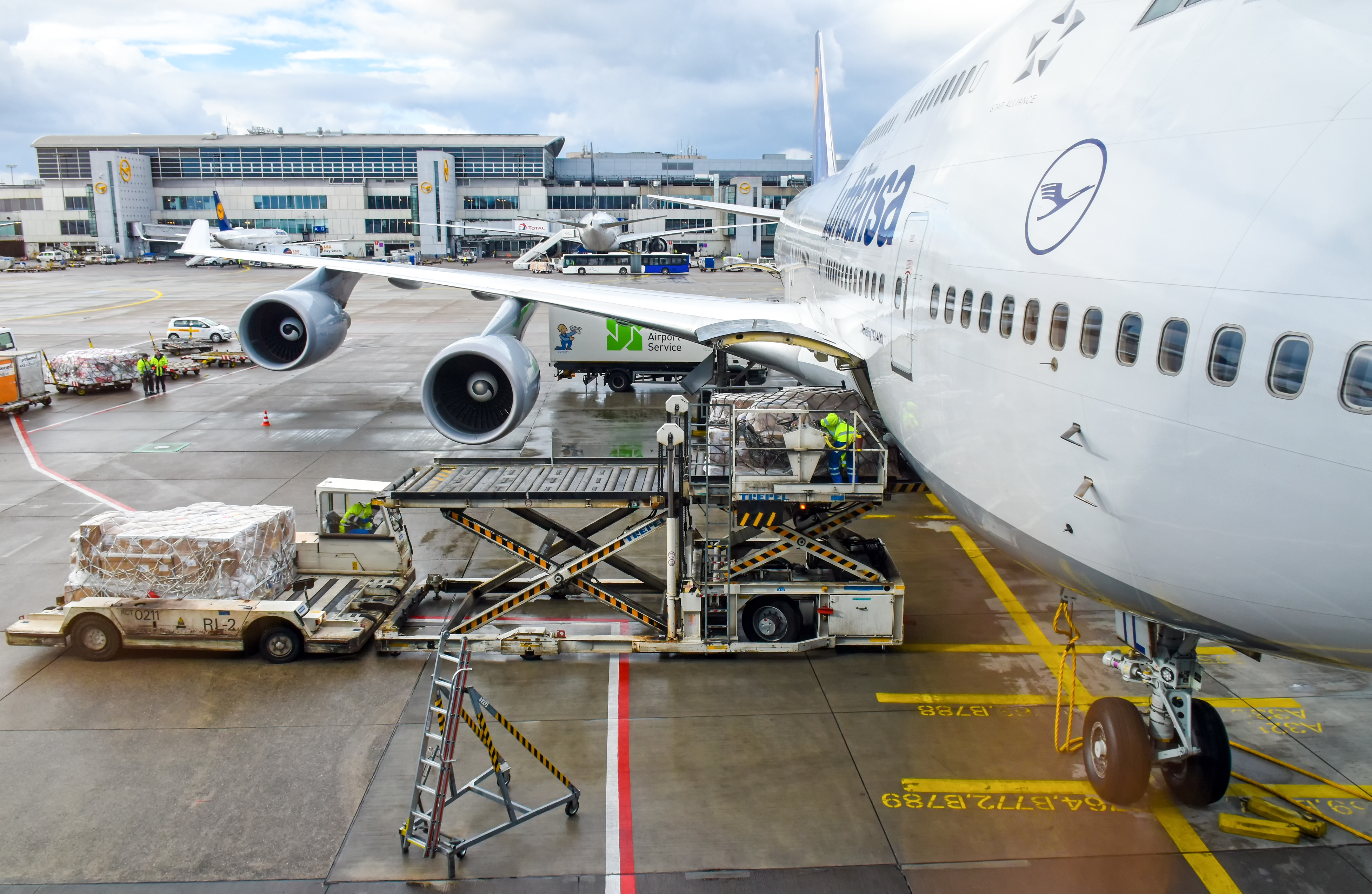 How airlines are aiding in COVID vaccine distribution
