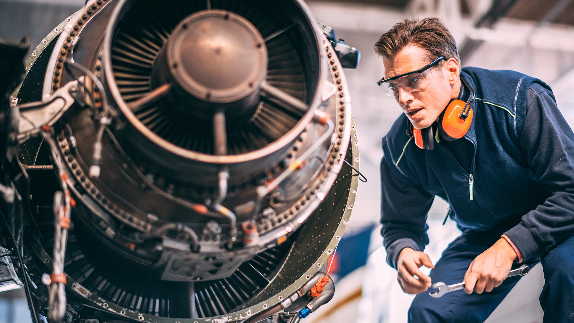 How a strong COVID recovery can worsen the aircraft mechanic shortage