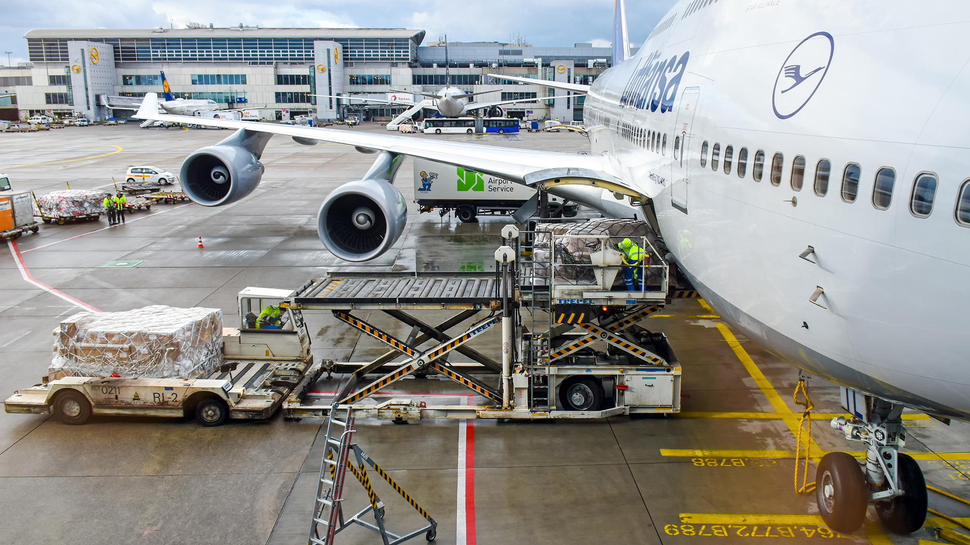 How airlines are aiding in COVID-19 vaccine distribution